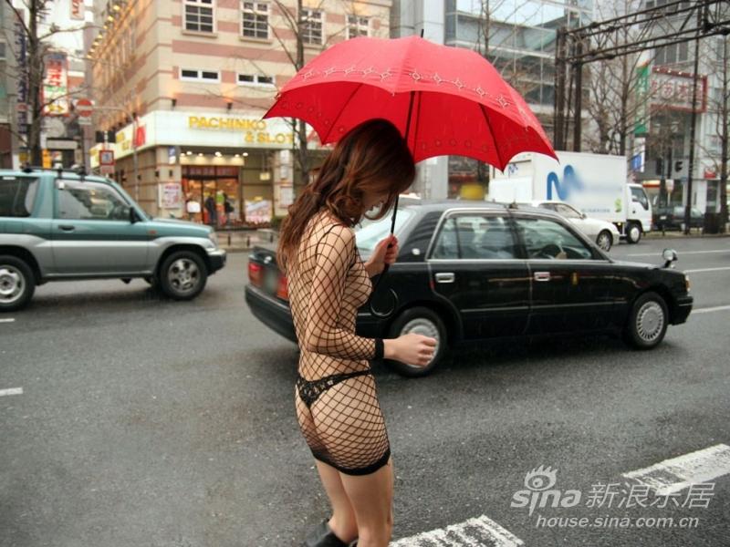 强烈要求:迅速立法 女人穿着太暴露为性骚扰!