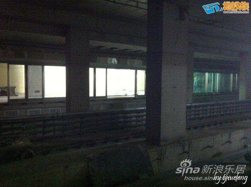 天津地铁三号线西康路站内部大图海天馨苑图片