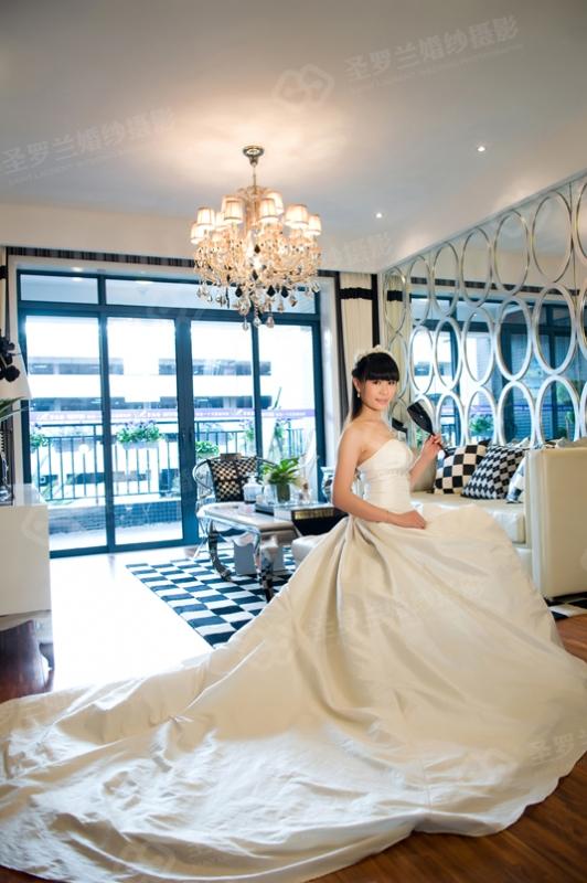 25号新娘:冯少玲