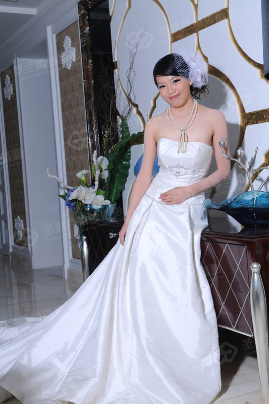 35号新娘:伍梅芳