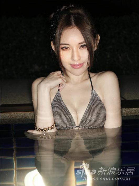 郭颖儿相偕曾善美水中斗性感 书展写真已过审