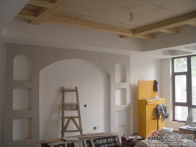 香山清琴《喧嚣背后》别墅装修设计案例施工过程----吊顶,隔断及铺砖图片