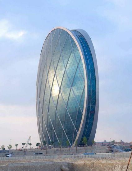 半球形的建筑:阿布扎比al Dar总部大楼(图) 新浪地产网